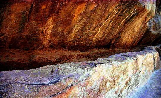Petra sistema idraulico formato da canali scavati nella roccia