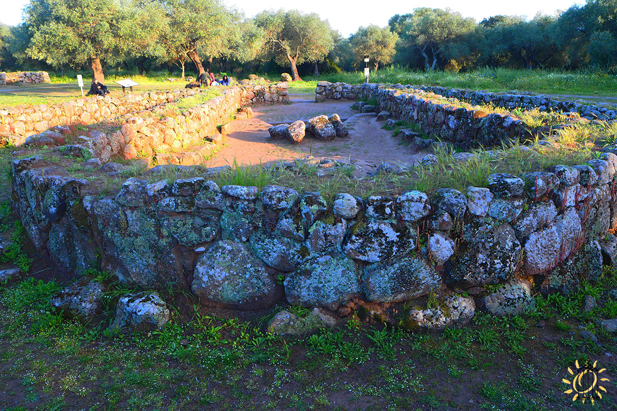 Pozzo di Santa Cristina, Paulilatino (OR) Il recinto Sacro