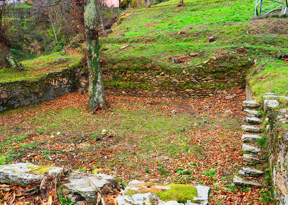 Cisterna a cielo aperto a Minazzana, Alpi Apuane - Toscana