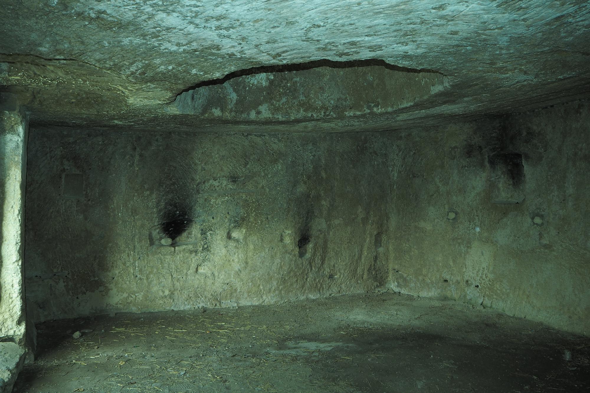 Massafra (Puglia) Gravina San Marco - Interno di un'abitazione rupestre
