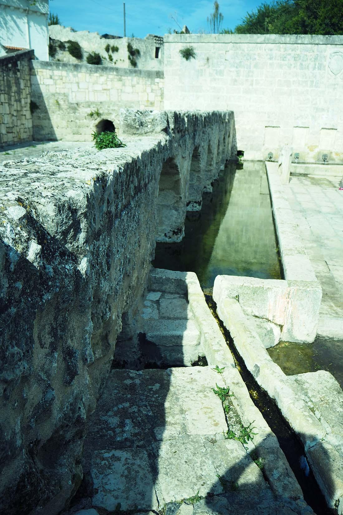 Laterza (Puglia) Canalizzazioni della Fontana dei Mascheroni