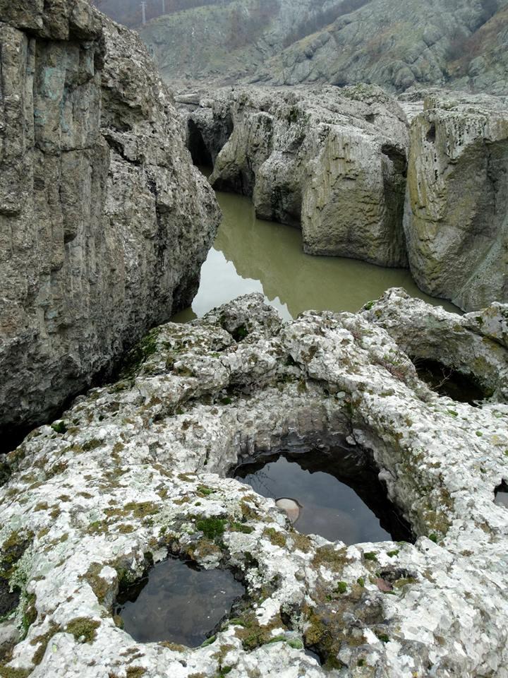 Abrasive wells - Fiume Krumovgrad - Bulgaria