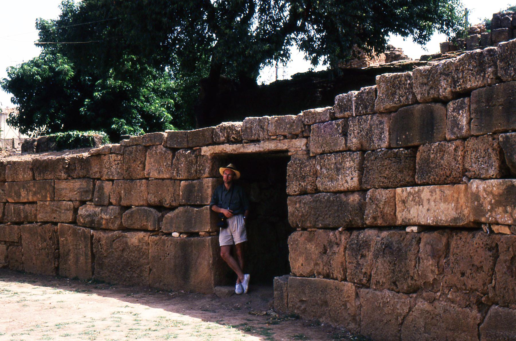L'interno dell'Anfiteatro di Tipasa