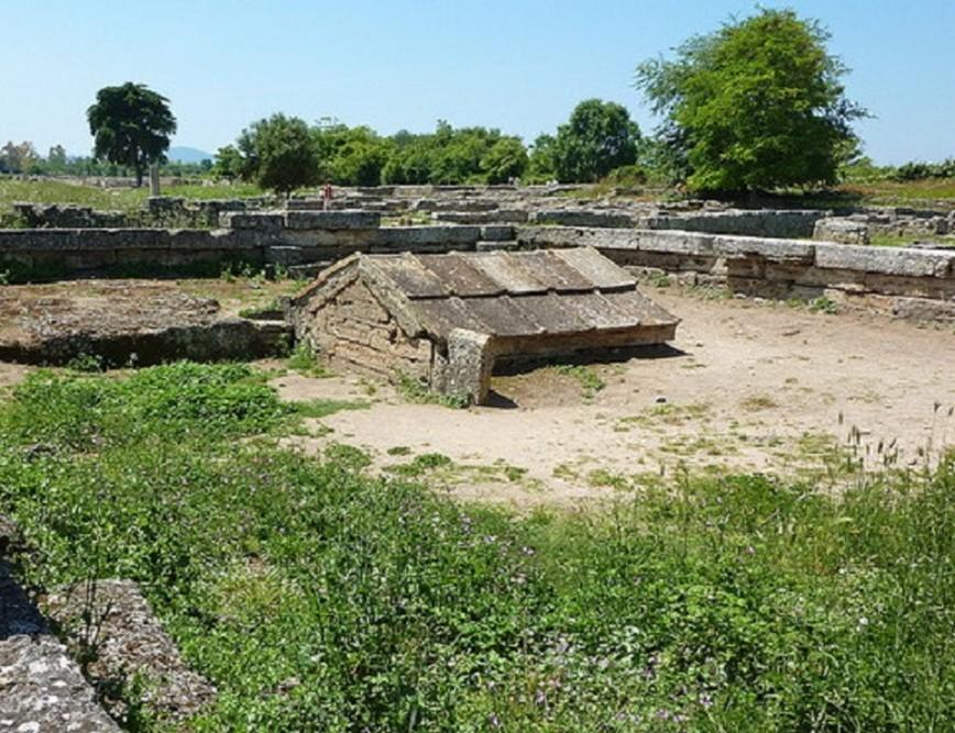 Sacello ipogeo Paestum ( Campania)