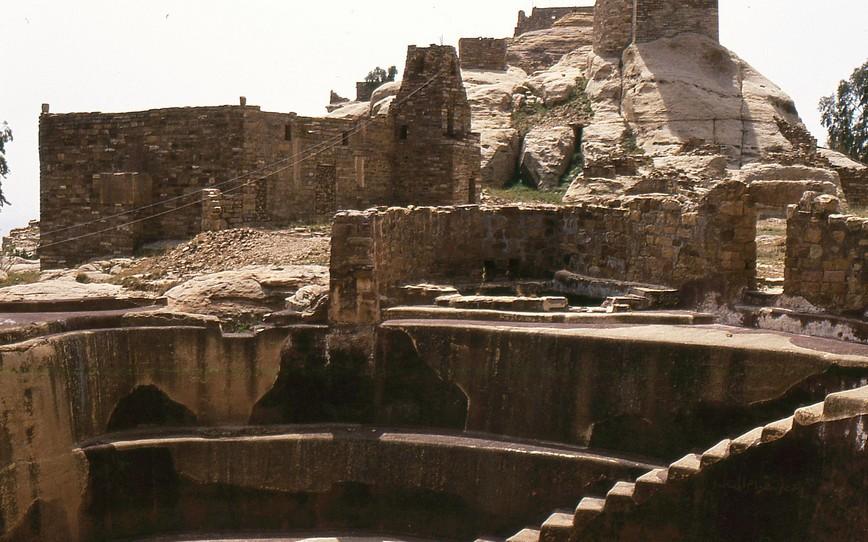 La grande cisterna sull'acropoli