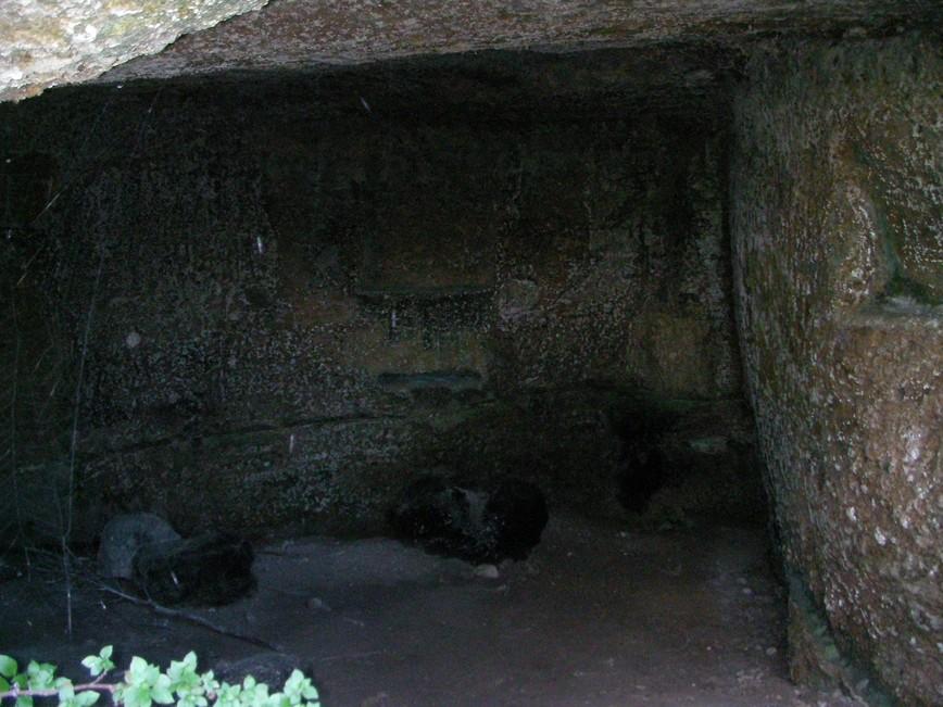 Caverna attrezzata a Mottola (Puglia)