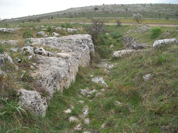 Particolare del villaggio trincerato neolitico sulla Murgia Timone (Matera)