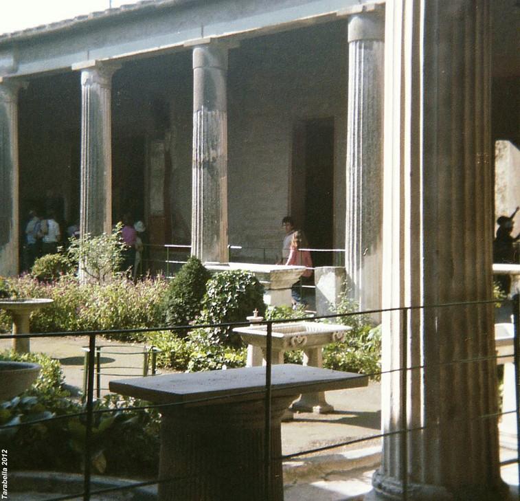 Peristilio di un'abitazione di Pompei