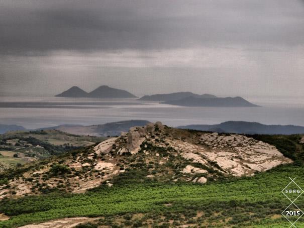 La vista delle isole Eolie dal pianoro dell'Orante