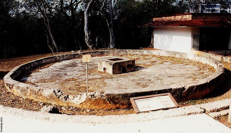 Chultun (Uxmal - Yucatan)