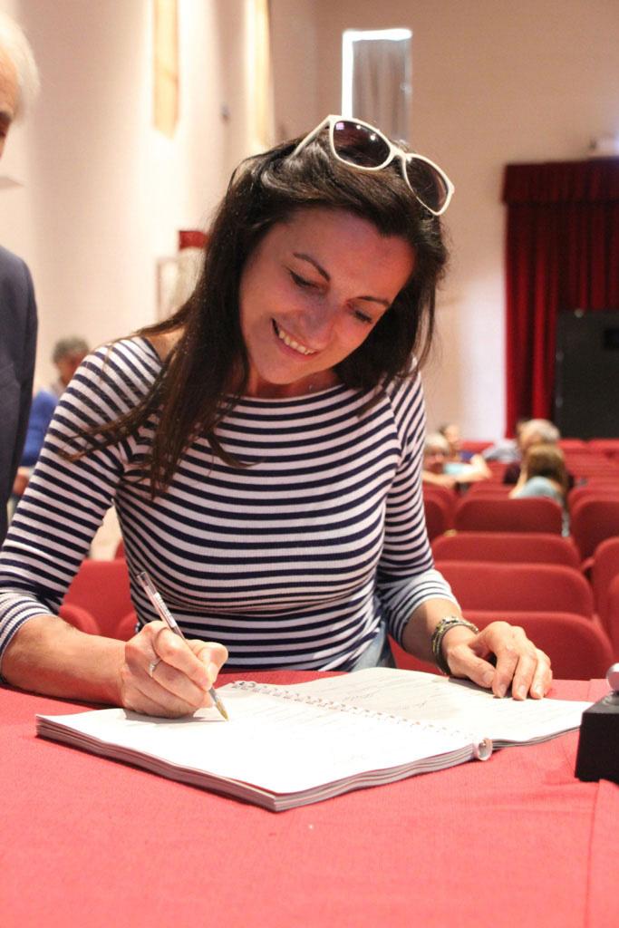 L'architetto Natalia Tarabella di Pangea-project alla firma del Contratto di Fiume