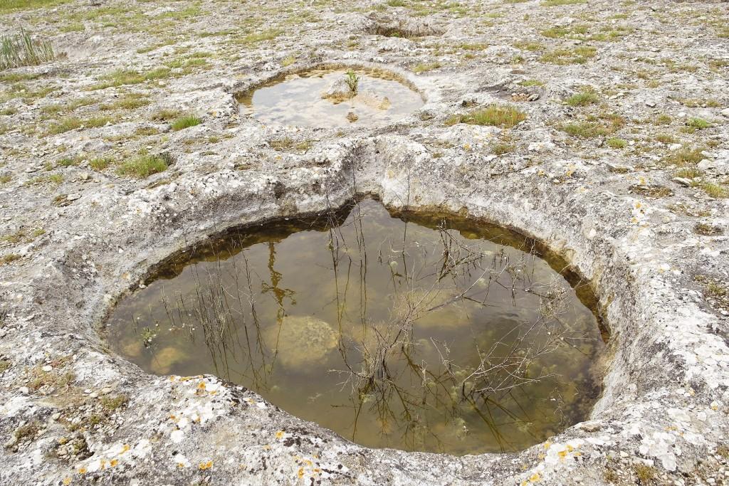 Raccolta di acqua in pozze scavate