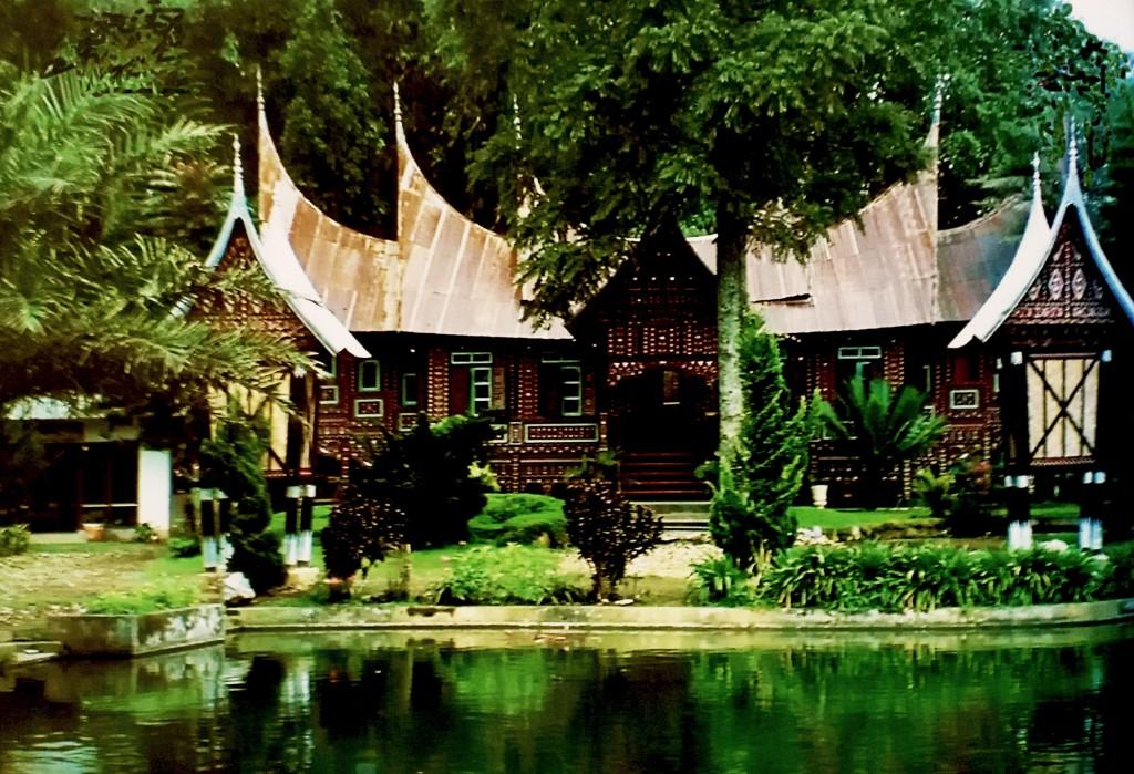 Casa minangkabau (Sumatra)