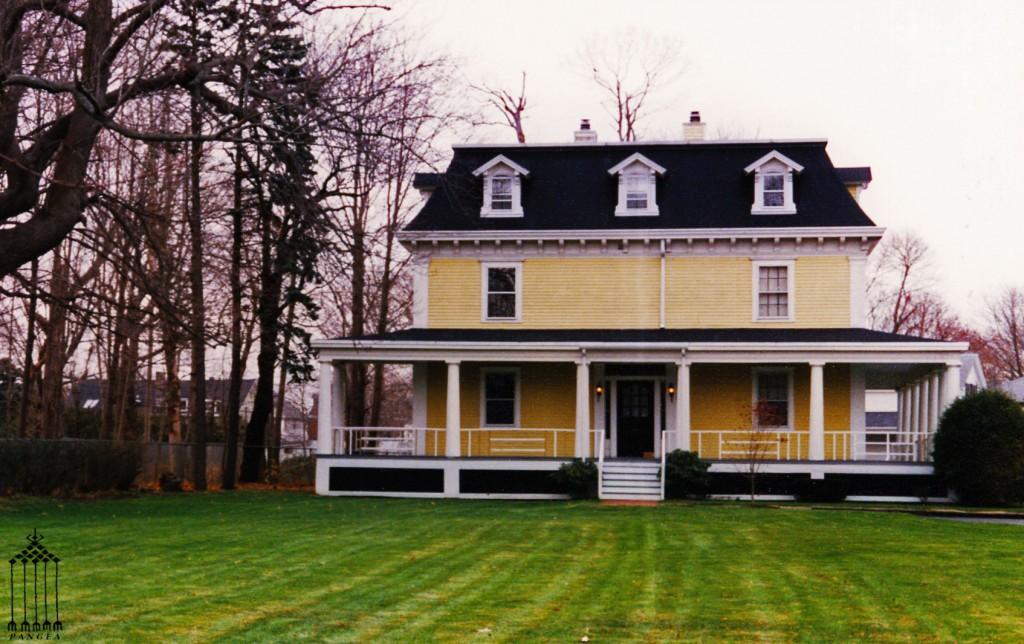 Abitazione con il tetto mansardato (Newport R.I.)