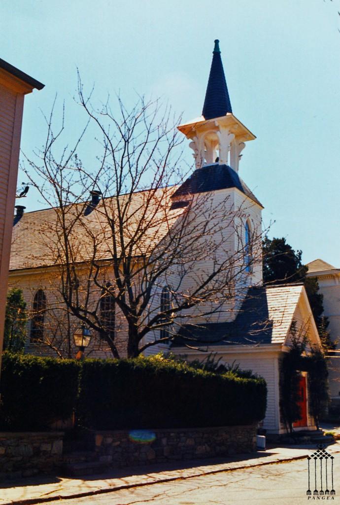 Una chiesa sconsacrata trasformata in abitazione privata (Newport R.I.)